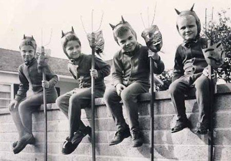 Google Image Result for http://allieiswired.com/wp-content/uploads/2010/10/vintage-halloween-costumes.jpg