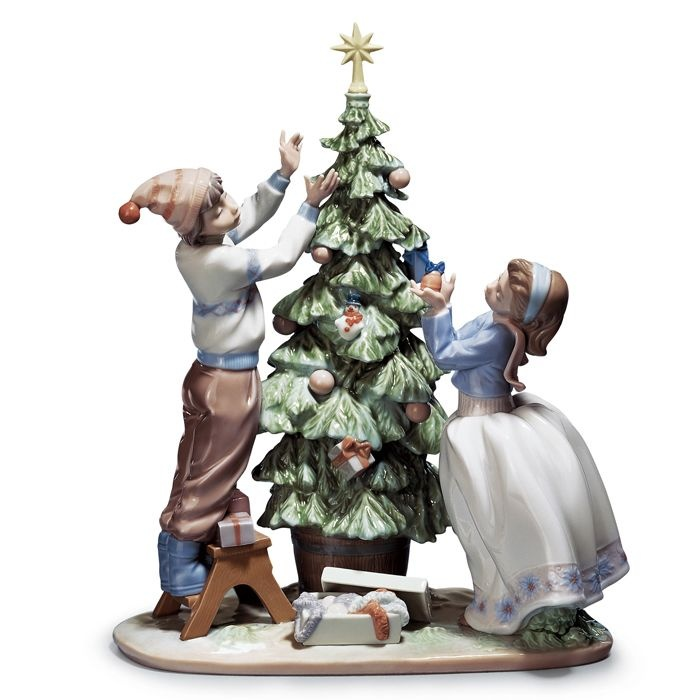 Trimming the tree, Lladro