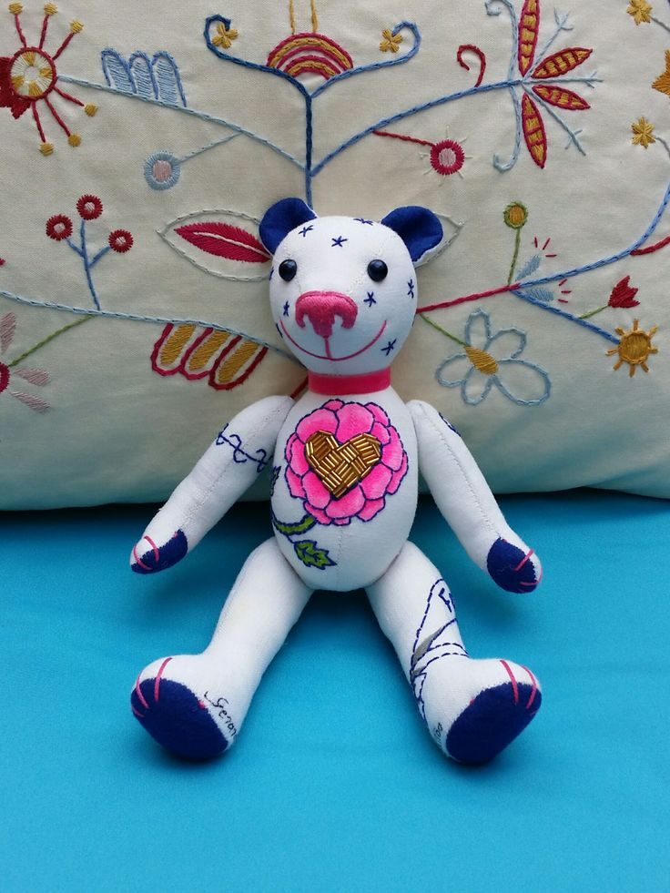 This Mini GSBear is called Sapphire. It's handmade of antique linen and fancy work with some small bright accessories!