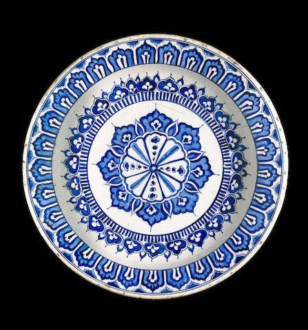 Iznik blue and white Dish