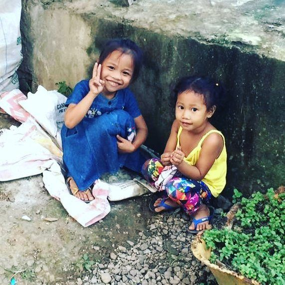 Hello from Tacloban  . . #Volunteer Jasmine clicked these #cuties during her Public Health and Nutrition Project in #Philippines . . #volsolphilippines #volsol #kids #cute #childcare #child #girls #health #healthcare #volunteerwork #volunteerabroad