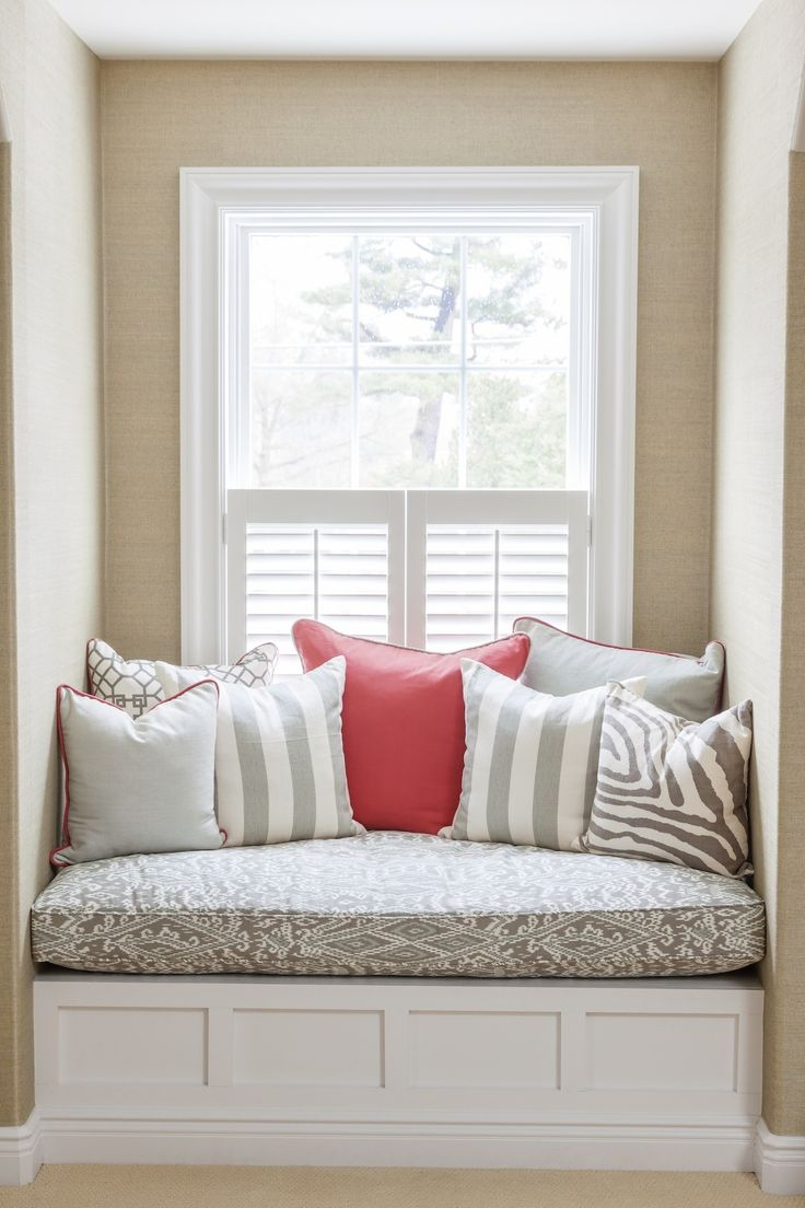 Bedroom window seat- I will have one of these in the future!!! End of story. I've been obsessed as long as I can remember!