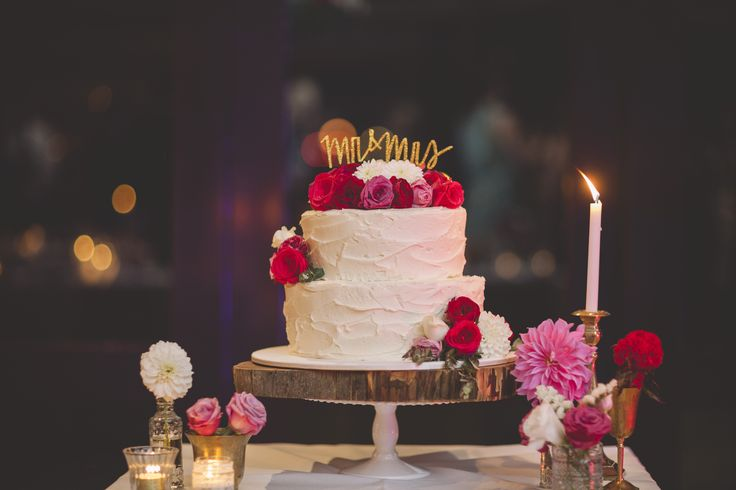 """""""oh what a cake"""" amazing and delish styling by #driftevents"""