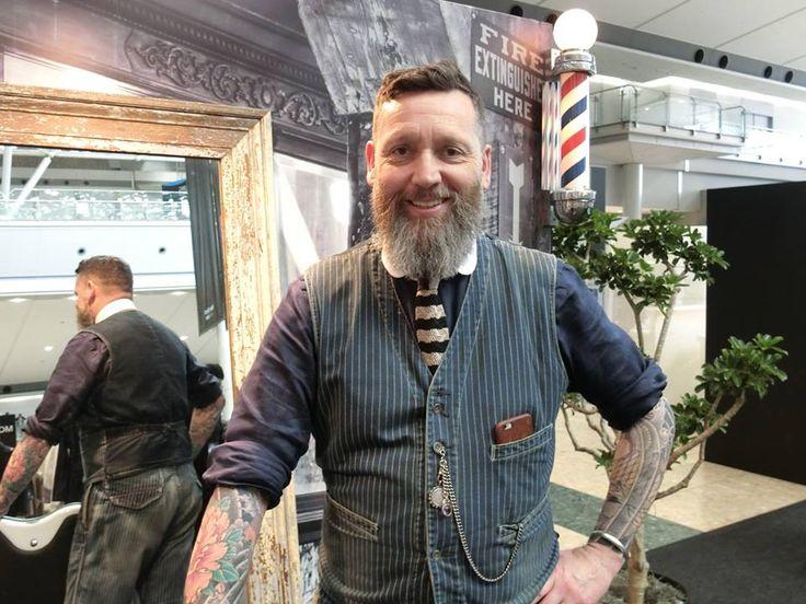 ニューヨークの有名理髪店「ルドロー・ブラント(LUDLOW BLUN)」が、日本1号店を東京・代官山に7月オープンする。禁酒法時代のアメリカにタイムスリップしたかのような内装、職人技の理髪技術、大人の社交場としての歴史で、世界中にファンを持つ同店。日本でもブルックリンの店舗の雰囲気や上質なサービスを再現する。