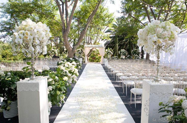 Vintage Wedding Of Shawn And Zack In Rancho Santa Fe: Best 25+ Outdoor Wedding Aisles Ideas On Pinterest