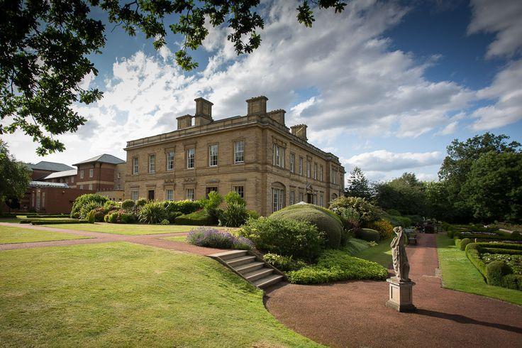 Oulton Hall Weddings Venue Leeds by Documentary Photographer Andrew Fletcher www.andrewfletcher.co.uk