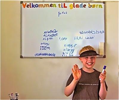 STUDIEGLAD® kan hjælpe dit barn med at lære lydene og dermed forøge dit barns færdigheder i at skrive!
