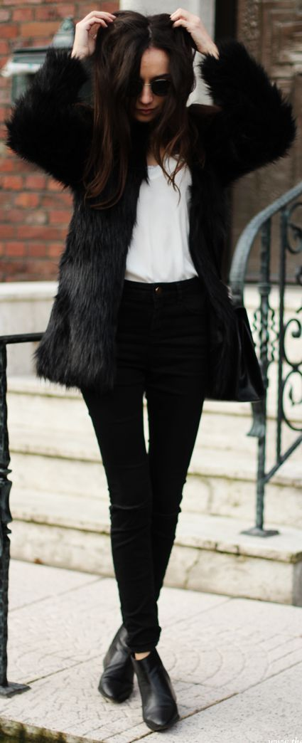 A great outfit for today. #winterstyle #fauxfur #Brooklyn:
