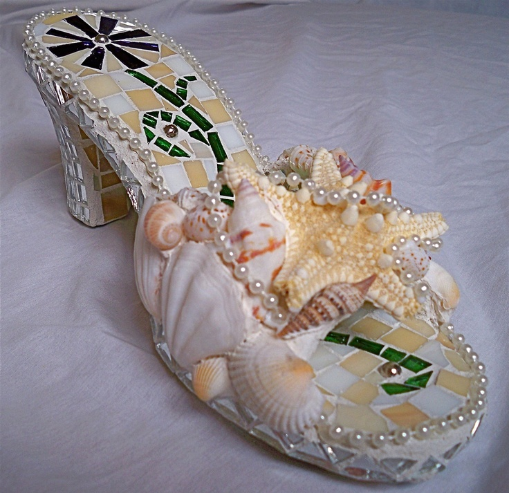 17 best images about shell mosaics on pinterest sea for Seashell mosaic art