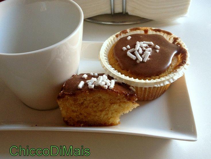 cupcake alla pera con glassa alla cannella  http://blog.giallozafferano.it/ilchiccodimais/cupcake-alla-pera-con-glassa-alla-cannella/