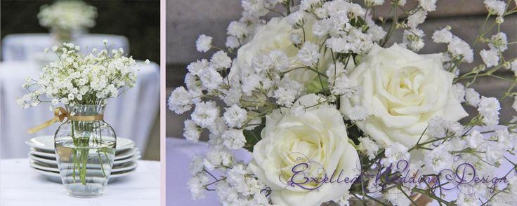 fehér és ekrü esküvői dekoráció-könyöklődísz