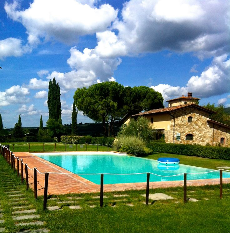 Viticcio pool A peaceful corner surrounded by vineyards