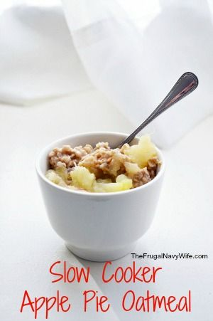 Slow Cooker Apple Pie Oatmeal - Cooke your oatmeal overnight and have a great breakfast in the morning!