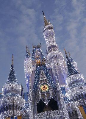 Cinderella's Castle at Christmas - Go to Disneyworld at Christmas time!!