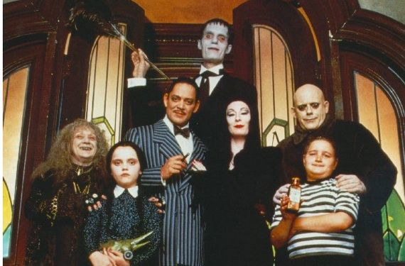 The Addams Family. I can't help myself but preferring, maybe minus Gomez, just maybe,  this version of the family cast. Everybody is creepier, spookier, extremely crazier, still maintaining class, especially the cases of Angelica Hudson's Morticia and Christina Ricci's Wednesday. Or I was just being too influenced by the 90s cartoon.