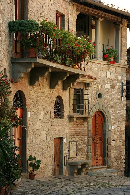 Tuscany. Lovely Tuscany!: Buckets Lists, Stones Wall, Balconies, Beautiful, Places I D, Tuscany Italy, House, Window Boxes, Tuscan Style