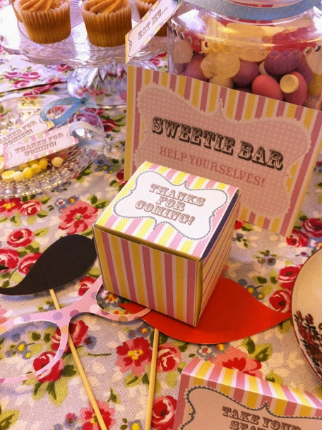 Sweetie bar... who wouldn't love this? Buy from cash'n'carry for cheap deals..