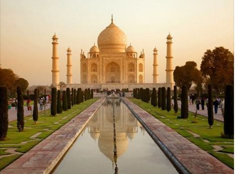 366 WONDERS OF THE WORLD: #31 Standing majestically on the banks of River Yamuna, the Taj Mahal is synonymous to love and romance and represents the finest architectural. The immense white, marble-domed mausoleum attracts over three million visitors to India each year. Well worth a visit.
