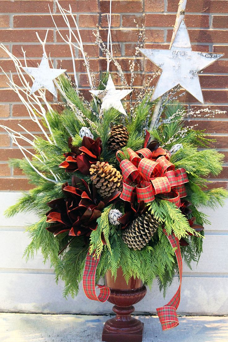 Christmas Urns. Trendy Little Skius In A Christmas Urn With ...