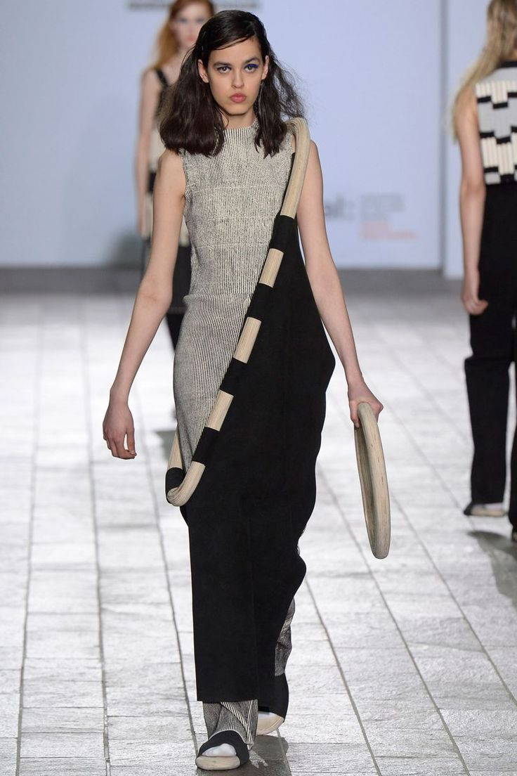 Central Saint Martins Ba Autumn/Winter 2015 Ready-To-Wear