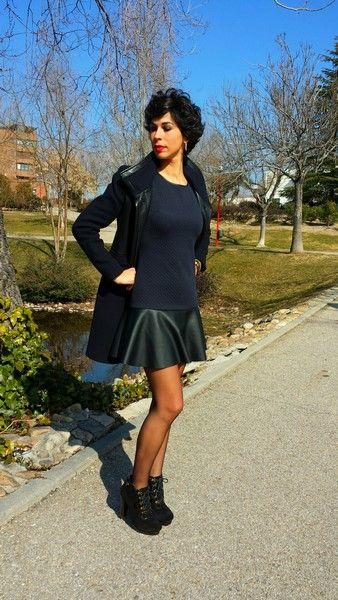 Look Leather and Blue!! Abrigo Zara (old) Vestido Easy Wear, misma colección de este vestido, Rebajas El Corte Inglés (new) Botines Adolfo Domínguez, Rebajas Las Rozas Village (new)