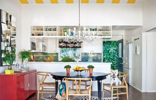 küche eklektische einrichtung bunt grüner fliesenspiegel weiße schränke