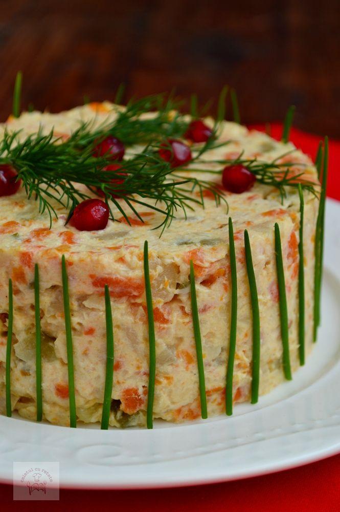 Aperitive festiveRulada din pulpe dezosateRulada aperitiv cu crema de branza si…