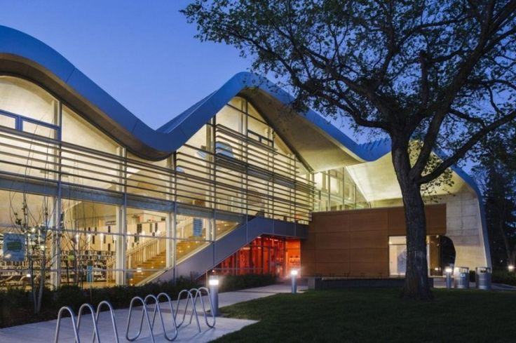 Architecture, Desain Tempat Parkir Sepeda Yang Unik Di Samping Taman Yang Indah Dengan Pohon Yang Rindang Tanaman Hias Dan Rumput Cantik: Brilliant Library Design Model Ensuring Fun Learning Process