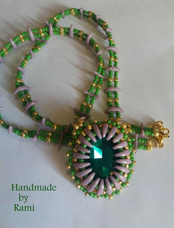 #necklace #greennecklace #crescentbeads #lemaddineperlinano #lemaddincreano #handmadeinitaly #madeinfacebook #handmadeinitaly