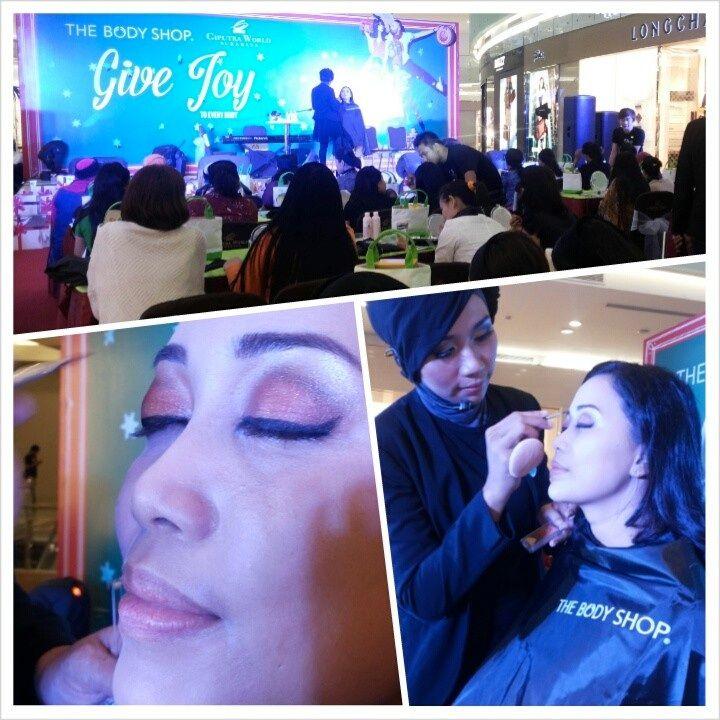 Beauty Class LYB hari ini tidak kalah seruh dengan Beauty Class followers @The Body Shop Indonesia #TBSGiveJoy di @CiputraWorldSBY