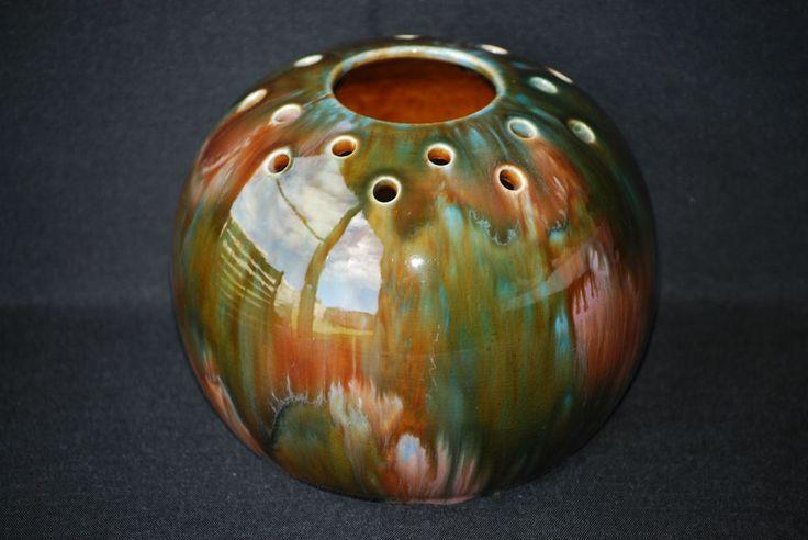 13cm x 17cm Regal Mashman Australian Pottery Large Pierced Posy Ball Vase No.287 - Excellent