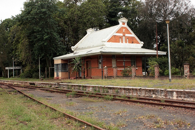 Botha's Hill Railway station by Kleinz1, via Flickr