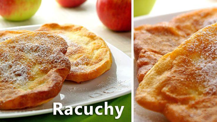 Racuchy (Drop Scones), to słodka forma obiadu. Pyszne, puszyste placuszki z delikatnym jabłkowym nadzieniem, posypane cukrem pudrem.