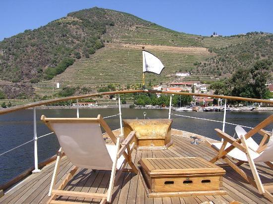 Discover Portugal Travel Private Day Tours: Douro River private tour aboard the Pipadouro, Portugal