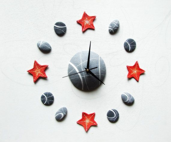 Red starfish wall clock Beach house home decor by Sognoametista