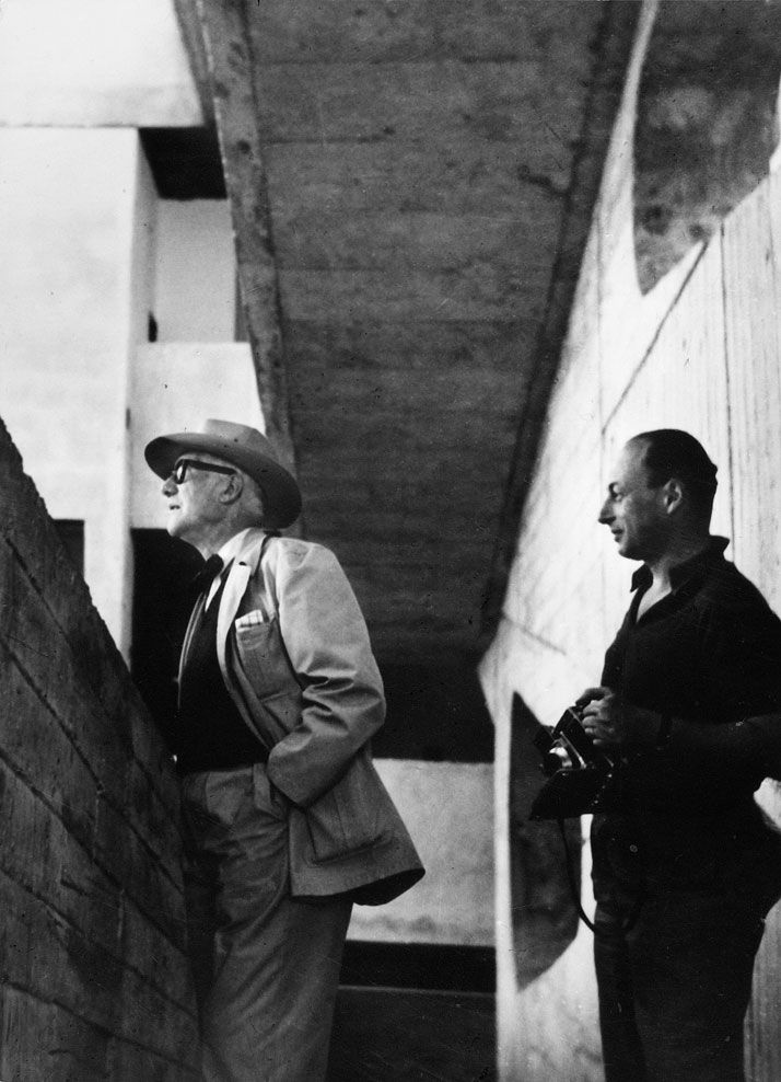 Le Corbusier and Lucien Hervé at the High Court, Chandigarh, India, 1955. (photographer unknown). Courtesy of Galerie du Jour agnès b., Paris. / http://www.yatzer.com/lucien-herve-le-corbusier-in-india-agnesb