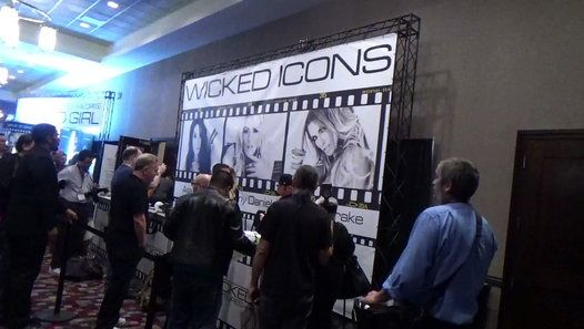 A GREAT VIEW OF 2 OF THE STARS AT THE AVN EXPO IN LAS VEGAS NEVADA