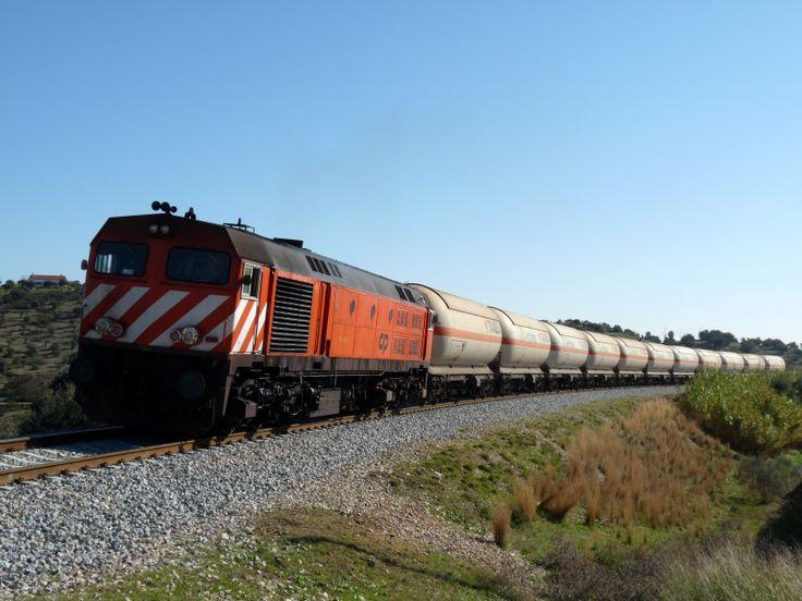 Ferrocarril de carga de sustancias liquidas o gaseosas: Ivan