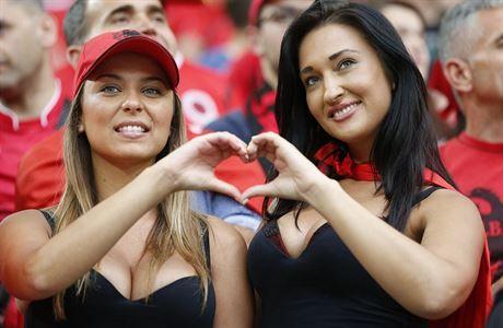 Albánské fanynky. | na serveru Lidovky.cz | aktuální zprávy