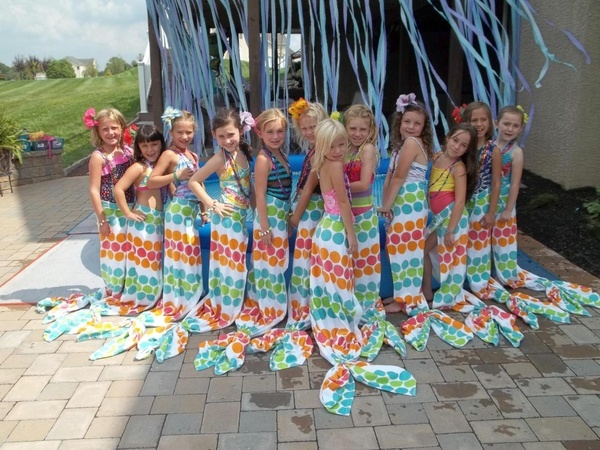 Great idea for mermaid costume  (cute for a mermaid party--kids could take home towels-L)