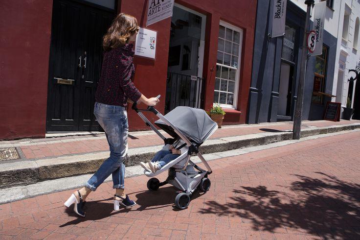 Quinny Zapp Flex - Graphite on Grey #quinny #walkyourway #zappx #zappflex #graphite #grey #stroller #buggy #city #compact