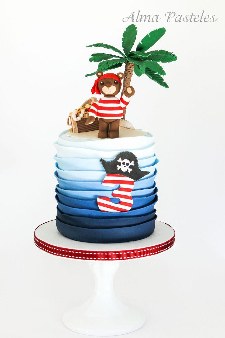 Pirate bear B'cake