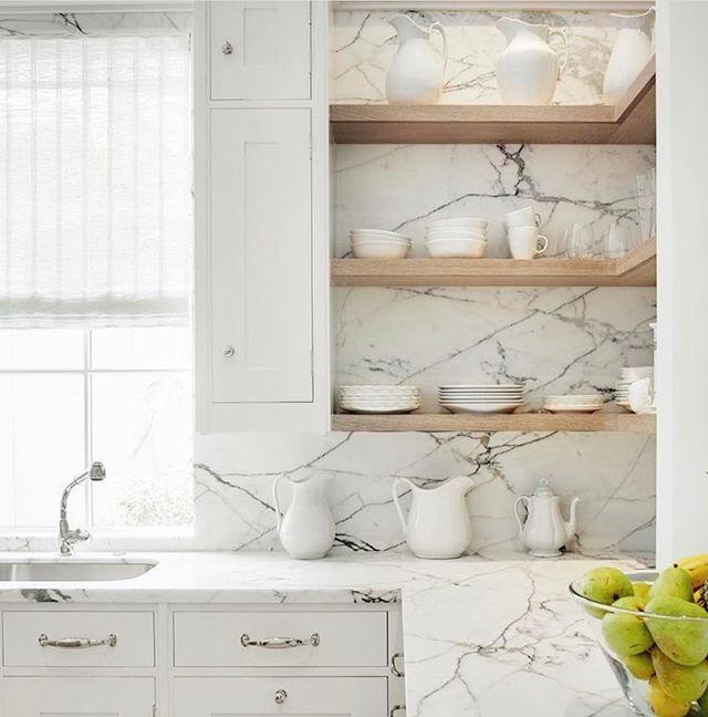 Open shelving + marble amazingness!! So pretty. @scoutandnimble #beckiowensfeature