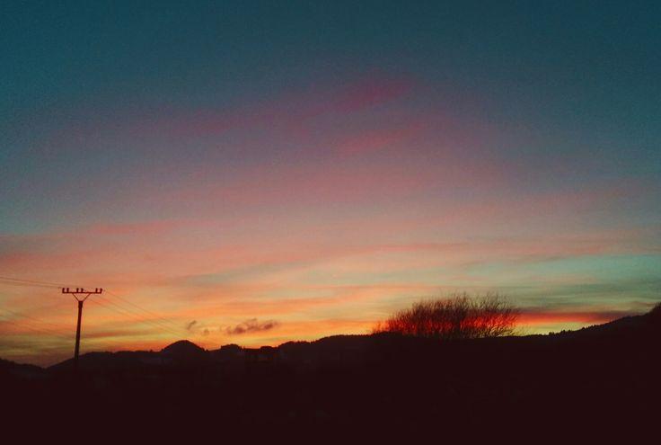 #sunset #nature #sun #sunshine #amazing #ilovenature on PicsSAE  http://picssae.com?social-gallery-image=moment-of-sunset