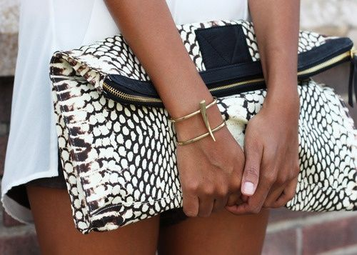 Love this clutch.  Classic.