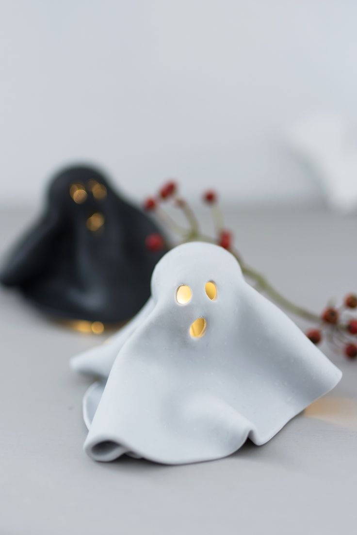 Basteln für Halloween: DIY Leucht Geister aus FIMO