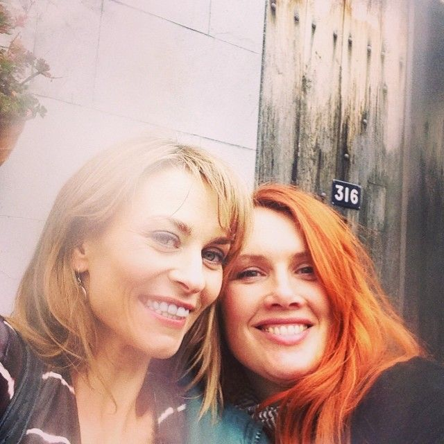 Offspring - Mick's ladies: Billie and Rosanna (Kat Stewart and Clare Bowditch)