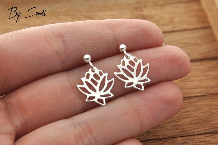 Ohrstecker - Silber-Ohrringe Lotus, Lotus-Silber, Blume, Yoga, - ein Designerstück von bysendi bei DaWanda