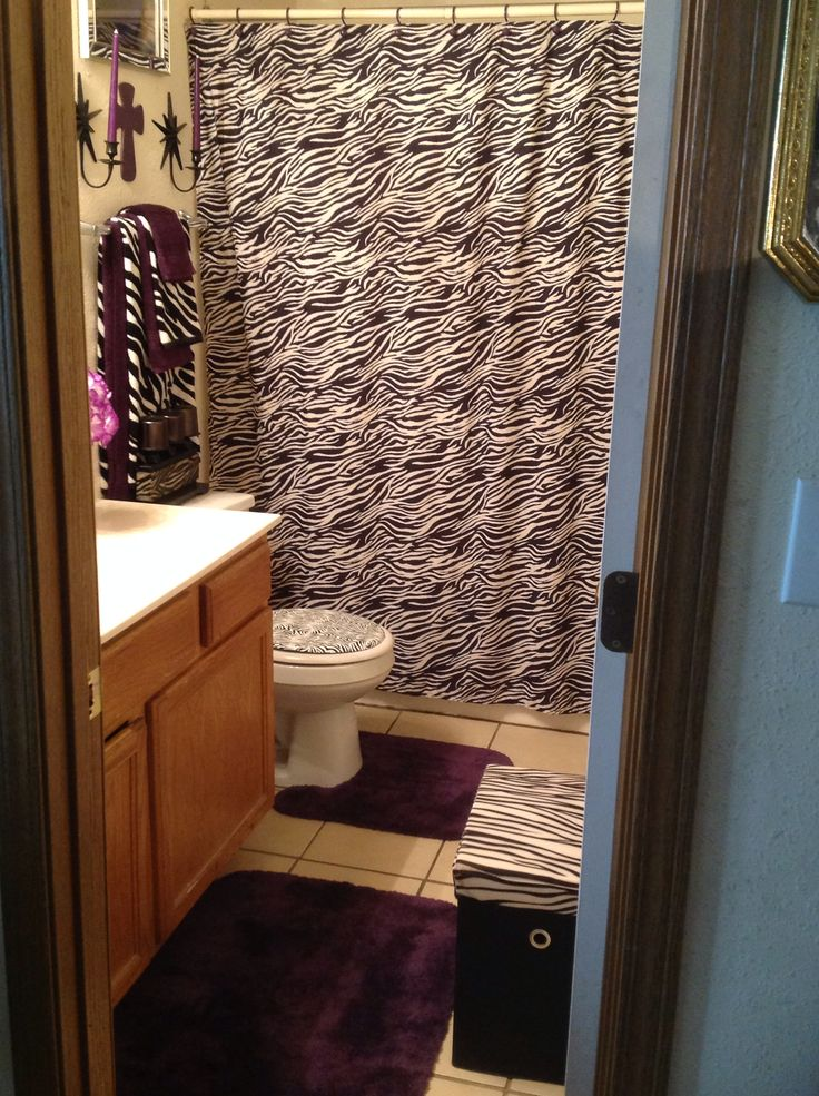 The 25 best zebra bathroom ideas on pinterest zebra for Bathroom ideas zebra print