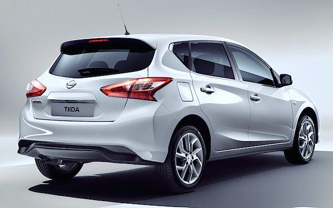 Nissan-Tiida-2016-1